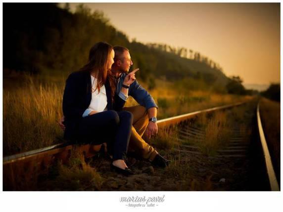 Fotografii de cuplu la apus langa Brasov