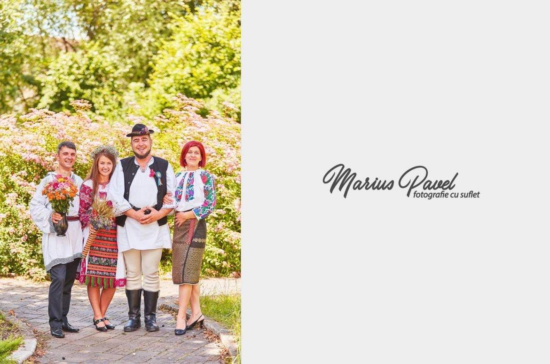 Fotografii cununie civila in costume populare romanesti