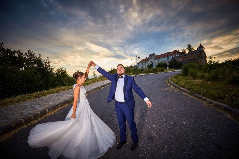 Trash The Dress De Seara In Brasov (29)