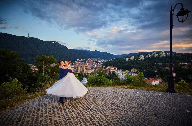 Trash The Dress De Seara In Brasov (32)