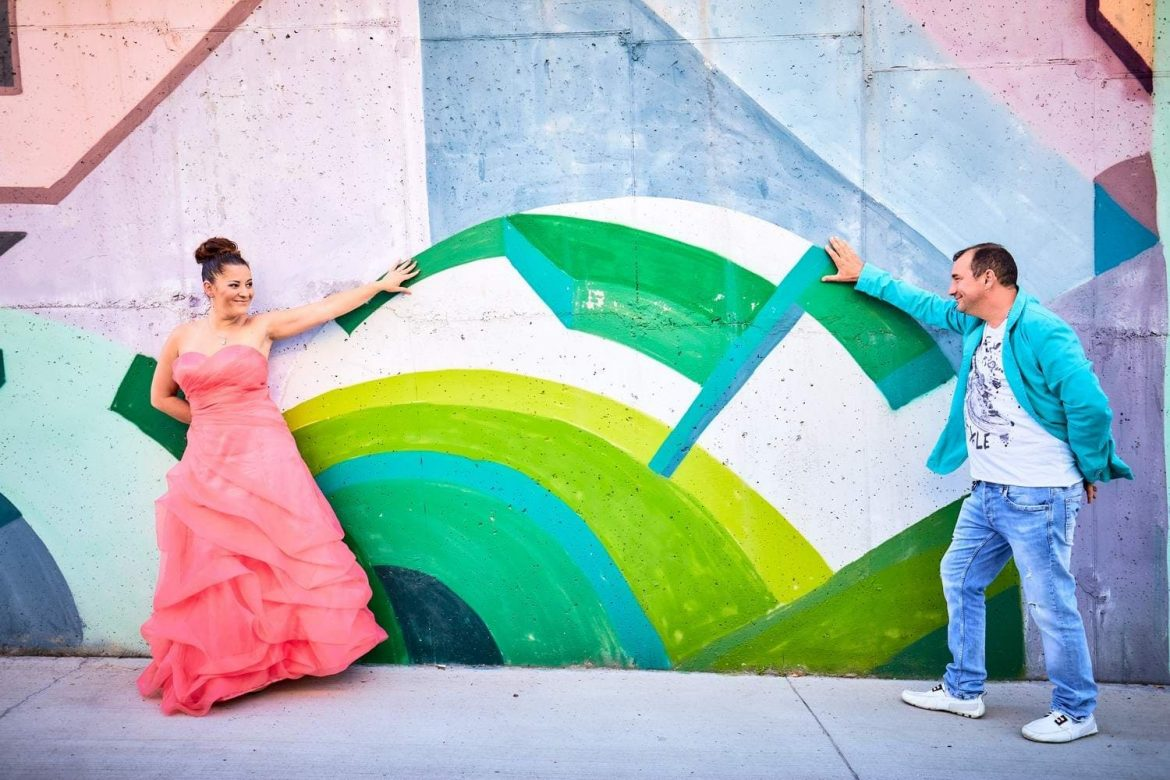 Trash the dress graffiti