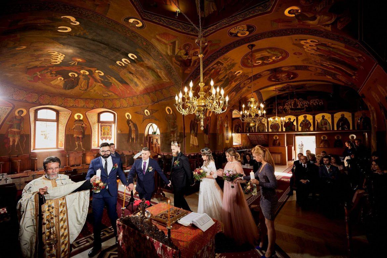 Obiceiuri si traditii la slujba religioasa in ziua nuntii