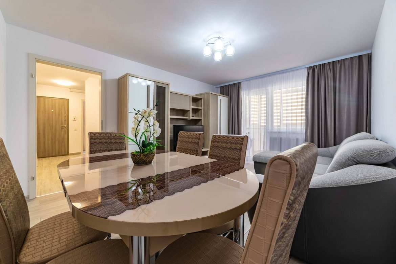 Fotografii apartament Rasnov in regim hotelier