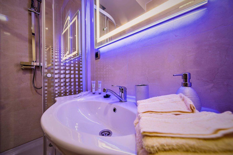 Fotografii Imobiliare Baie Apartament 2 Camere Isaran (2)