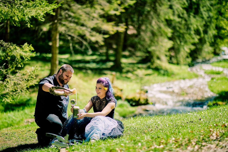 Sedinta Foto Cuplu La Cascada Urlatoarea De La Vama Buzaului (21)
