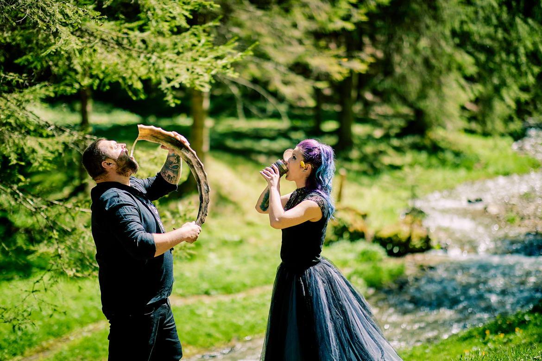 Sedinta Foto Cuplu La Cascada Urlatoarea De La Vama Buzaului (22)