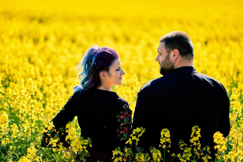 Sedinta Foto Cuplu La Cascada Urlatoarea De La Vama Buzaului (30)