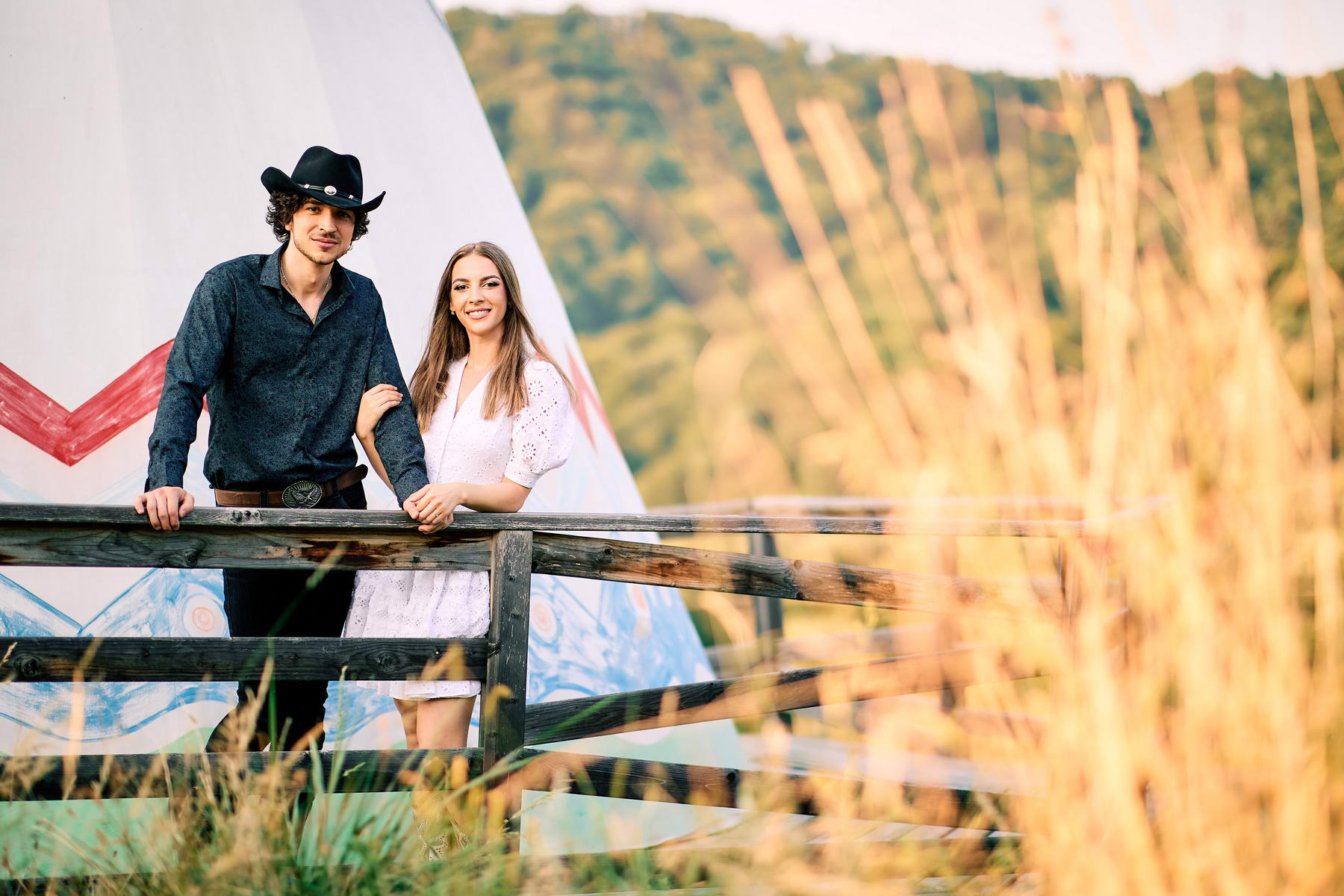 Western Save The Date Photoshoot (18)
