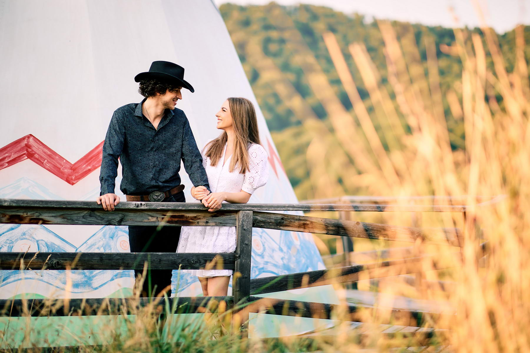 Western Save The Date Photoshoot (19)
