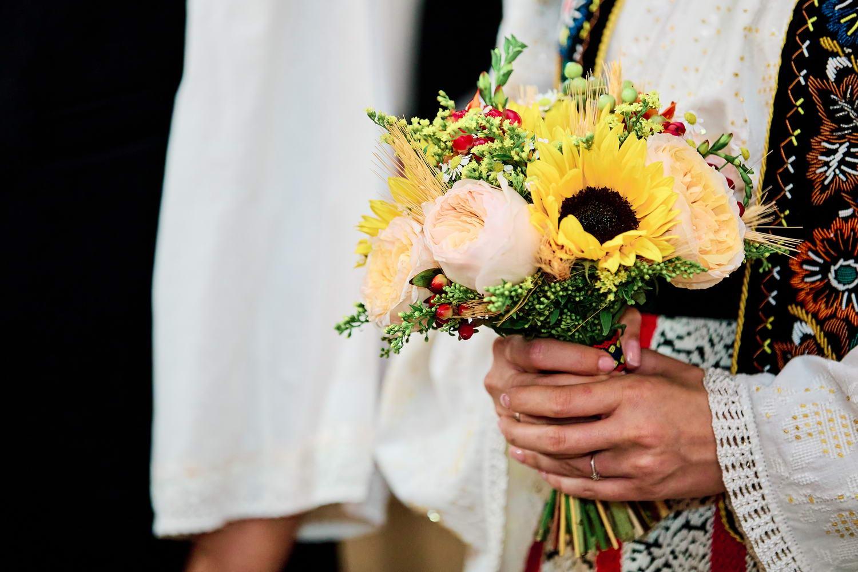 Logodna & Civila In Costume Traditionale (15)