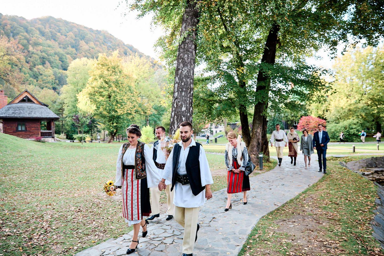 Logodna & Civila In Costume Traditionale (24)