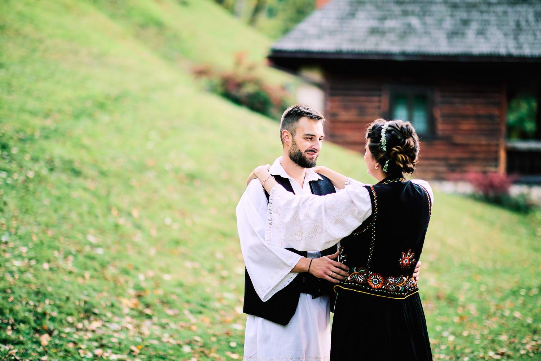 Logodna & Civila In Costume Traditionale (58)